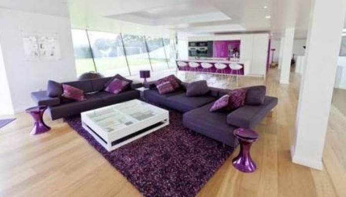 mario balotelli e la sua nuova casa da 6 milioni di euro foto. Black Bedroom Furniture Sets. Home Design Ideas